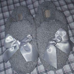 Women's UGG Ugg slippers size 8 lamb fur gray NWT